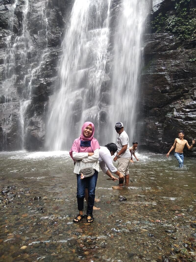 Segarnya Air Curug Muara Jaya