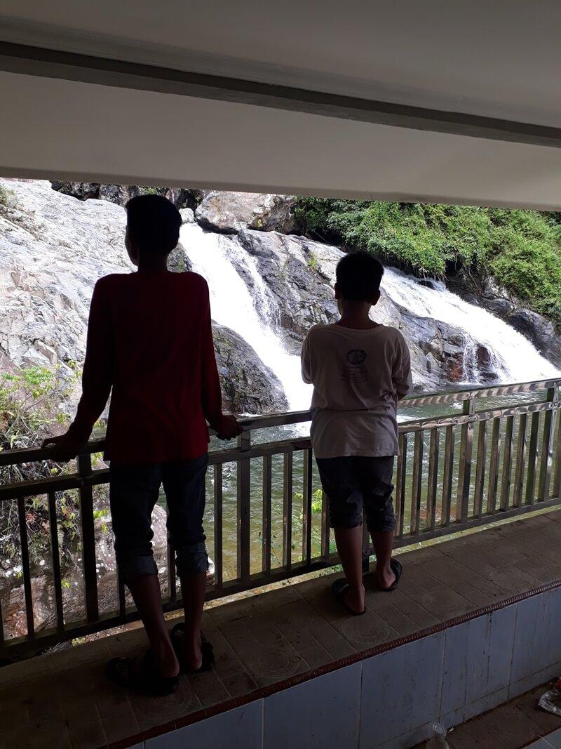 View Air Terjun Timbulun Painan Di Gazebo