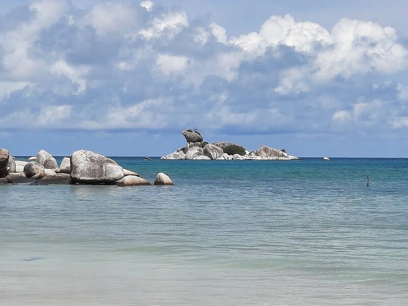 Pantai Tanjung Kelayang Geopark Belitung