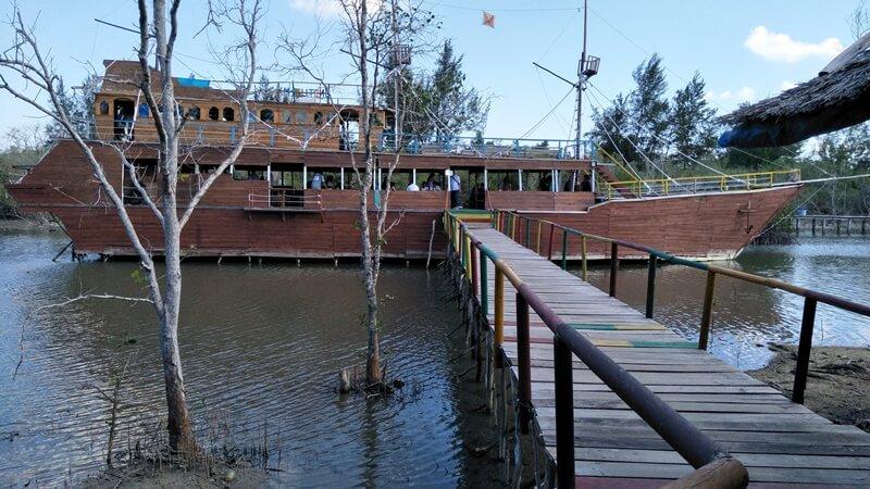 Restoran Keren Juru Seberang Geopark Belitung