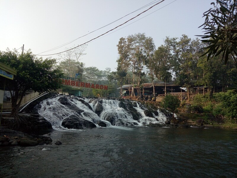 air terjun spot favorit pengunjung