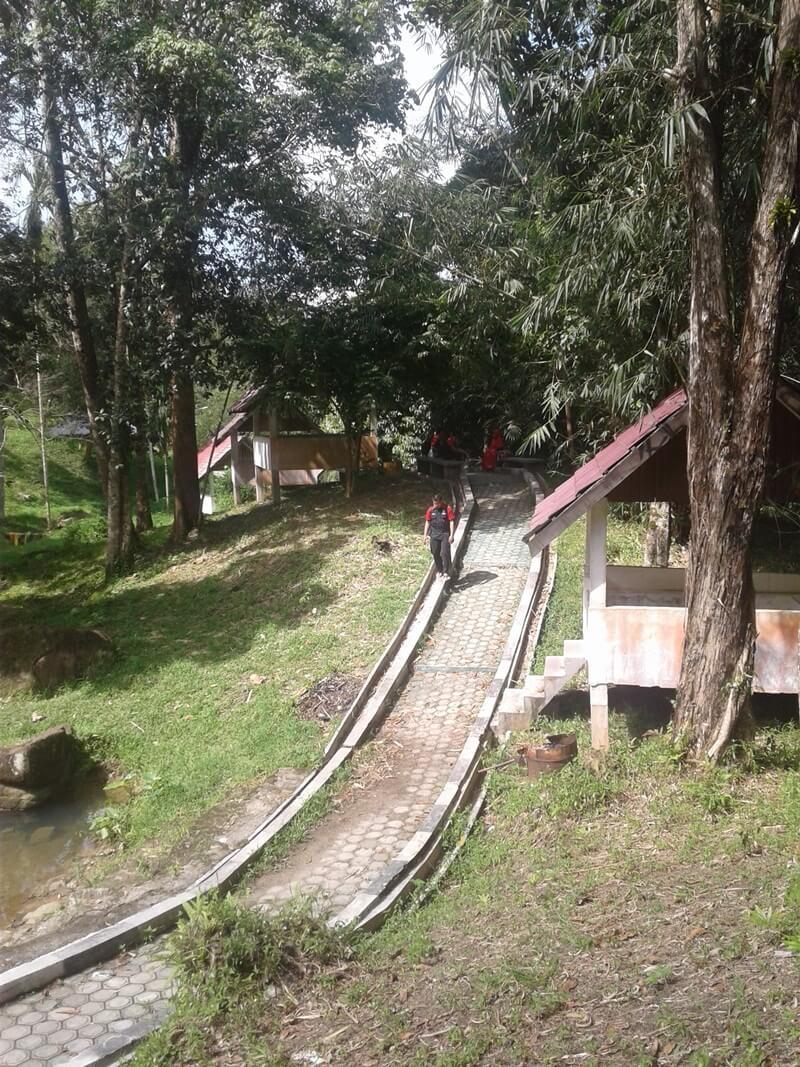 jalur trekking yang harus ditempuh