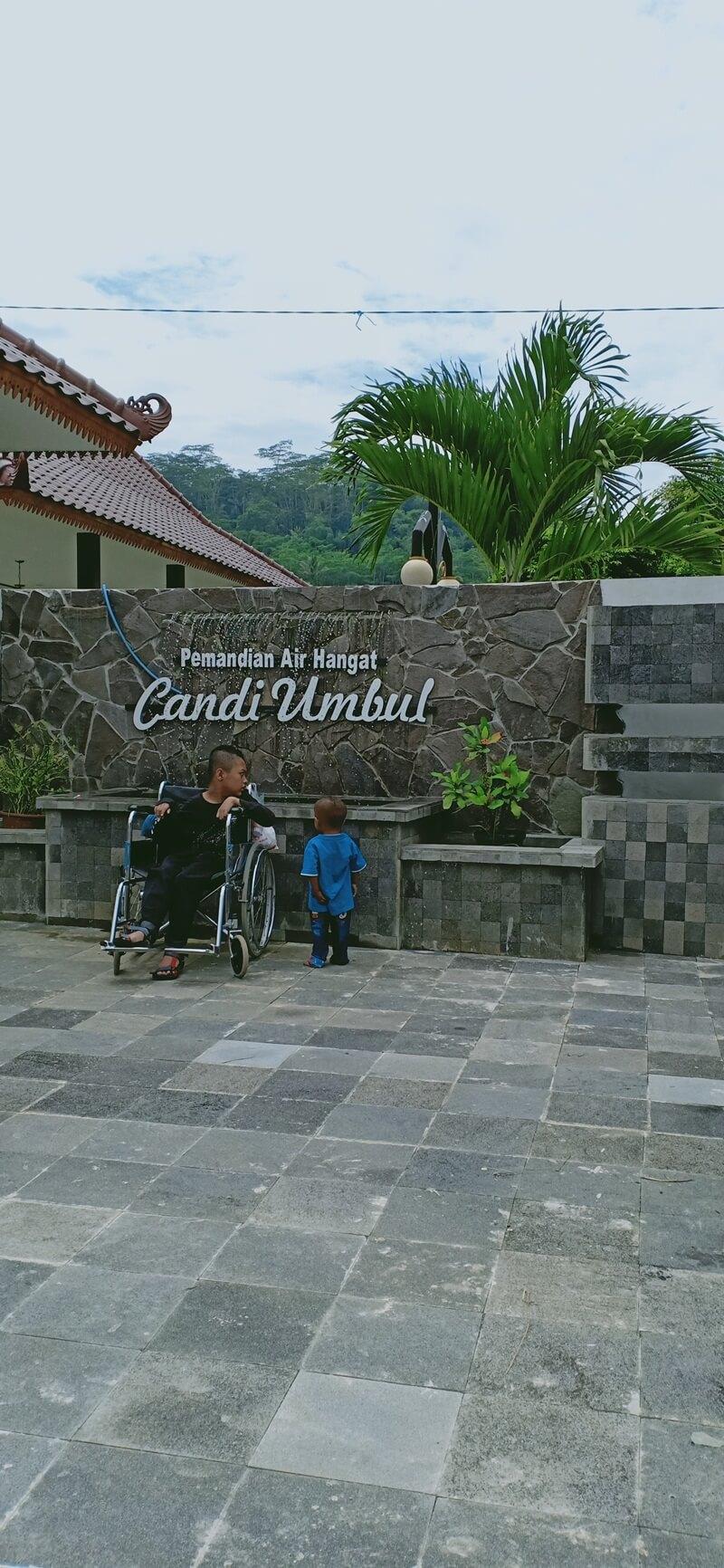 landmark candi umbul