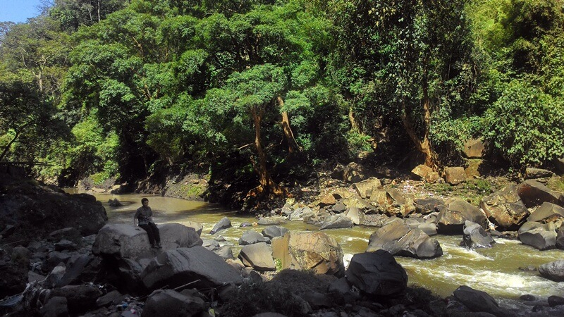 aliran sungai coban baung