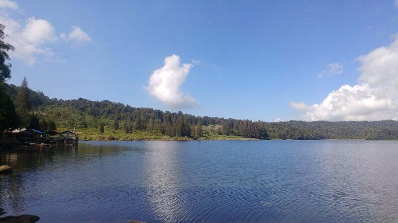 pesona keindahan danau lau kawar