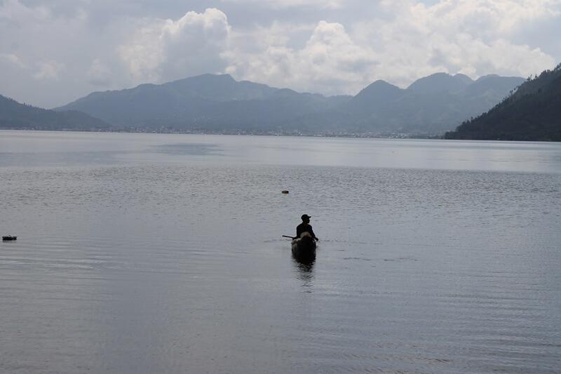 ragam aktivitas di danau lau kawar
