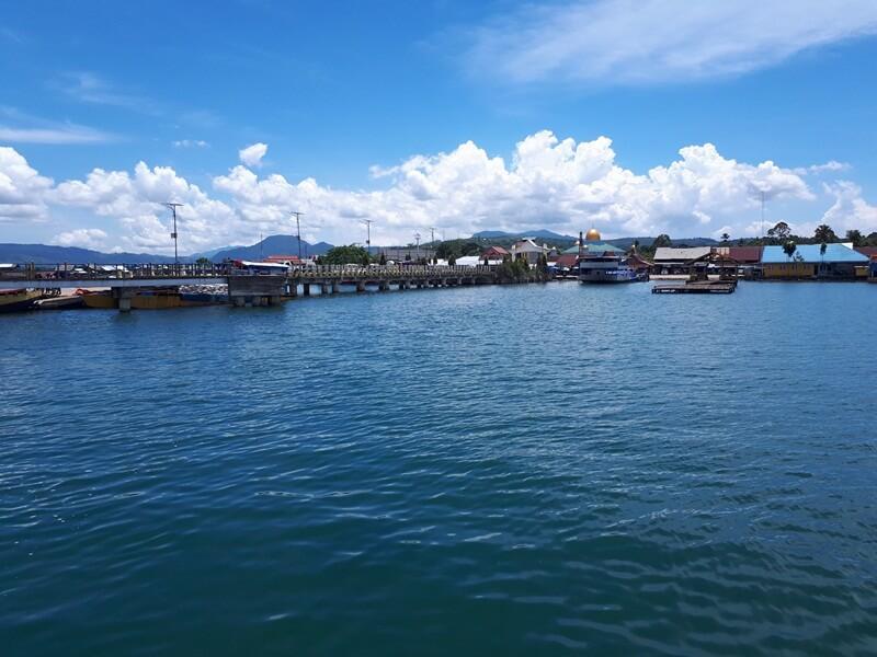 birunya air danau towuti