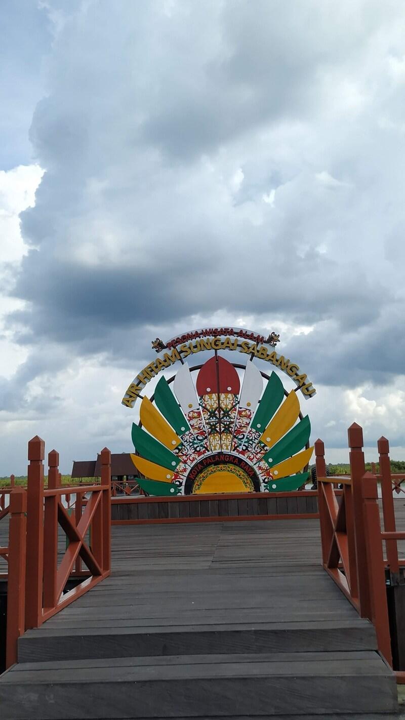 spot foto ikonik di dermaga kereng bangkirai