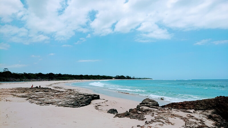 cantiknya pantai ratenggaro