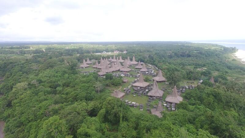 landscape kampung adat ratenggaro