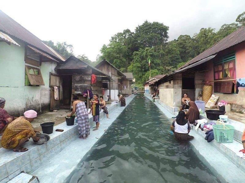 sungai asinahu yang bermanfaat untuk warga desa sawai