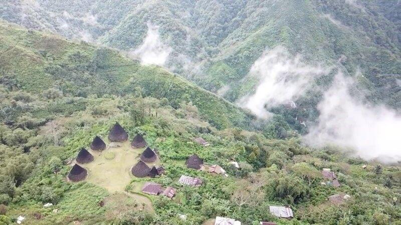 sejarah desa wae rebo