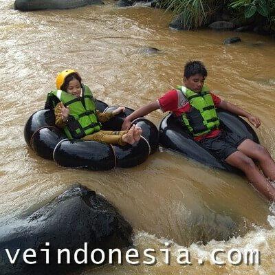 Desa Wisata Sindangkasih, Surga River Tubing Di Garut