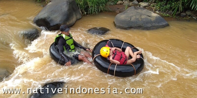 river tubing anak
