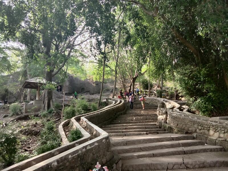 tangga menuju goa selomangleng kediri