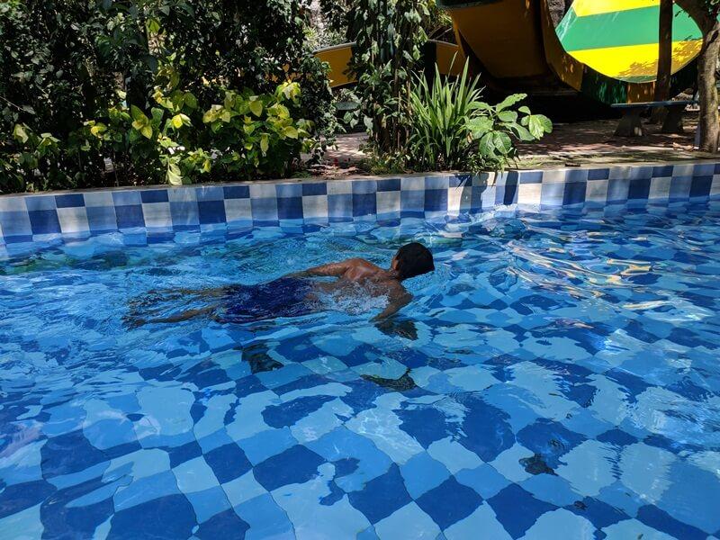 berenang di gumul paradise island