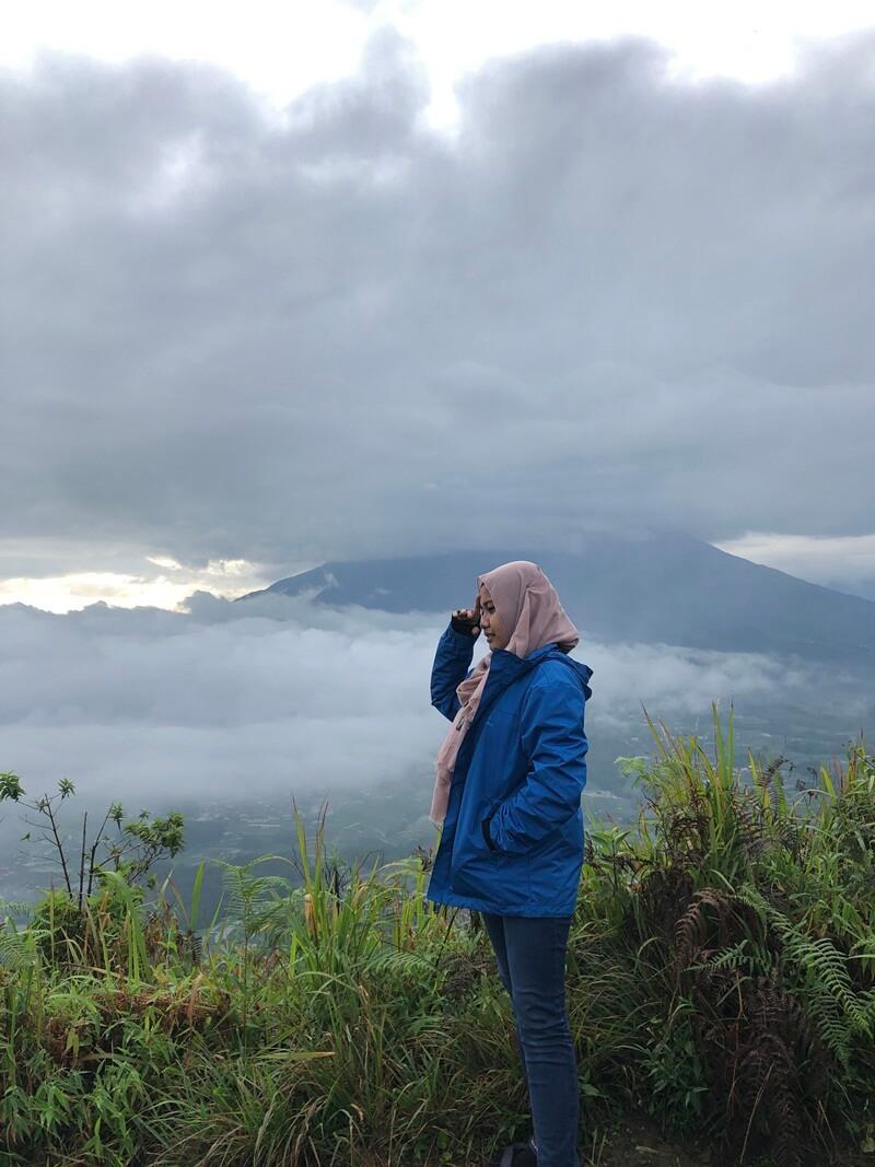 menyaksikan panorama alam