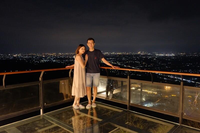 suasana romantis di malam hari