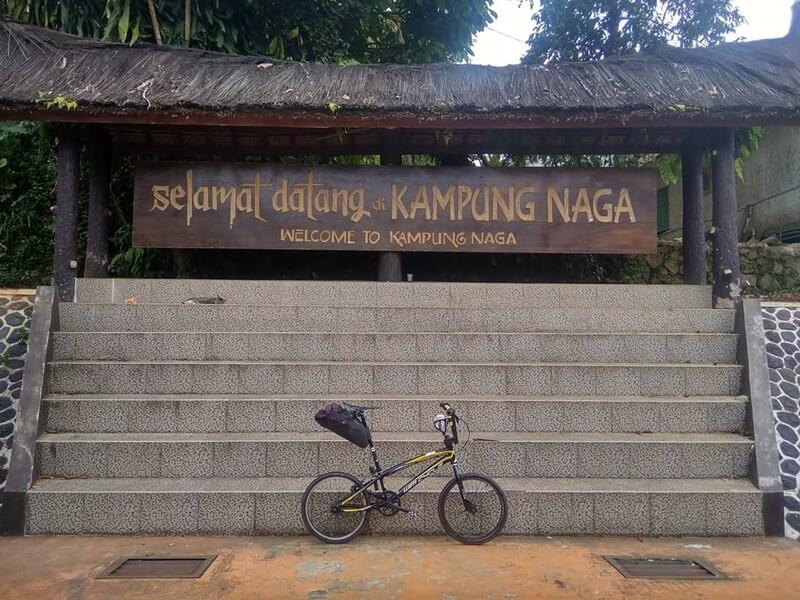 lokasi kampung naga