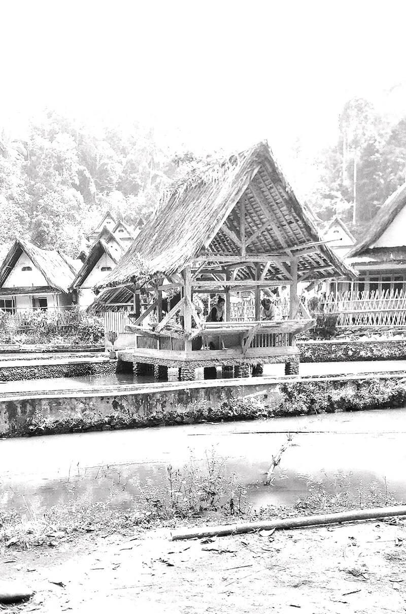 sejarah desa naga