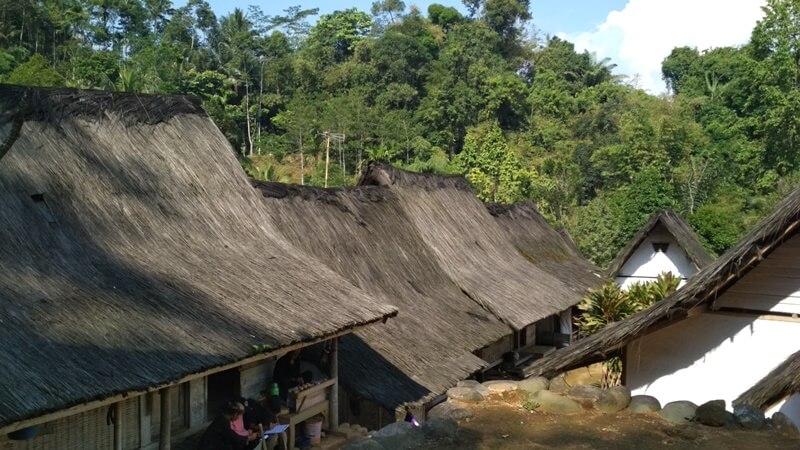 sejarah penamaan desa naga