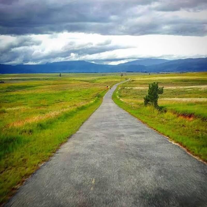 jalan menuju lembah bada