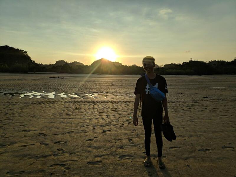 suasana pantai clungup di sore hari