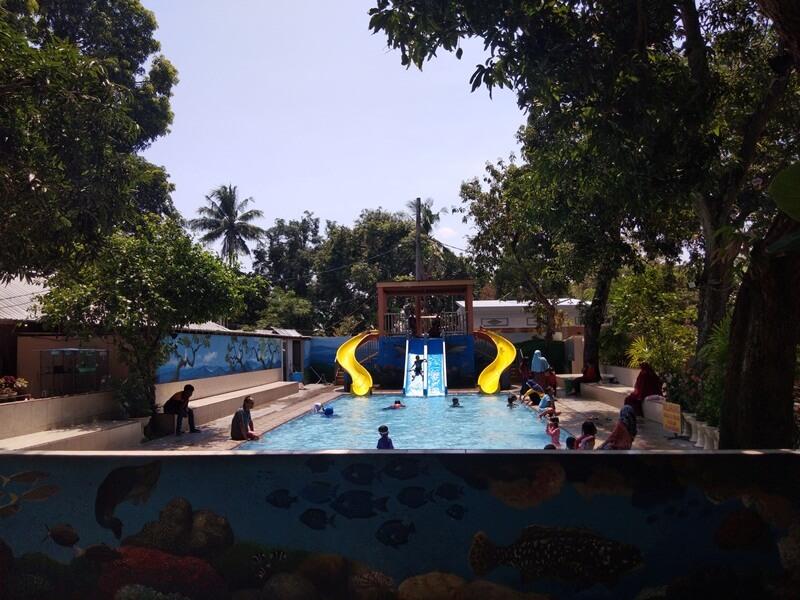 wahana kolam renang