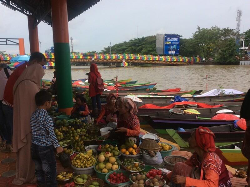 pasar terapung sungai martapura