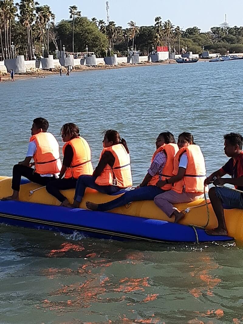 wisata keluarga pantai lasiana