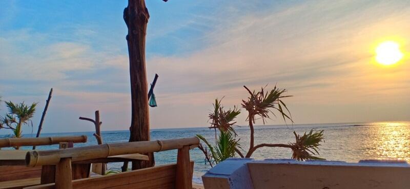 pesona alam sekitar pantai lhoknga