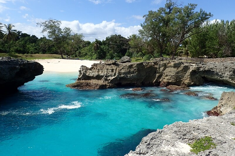 gradasi warna pantai mandorak
