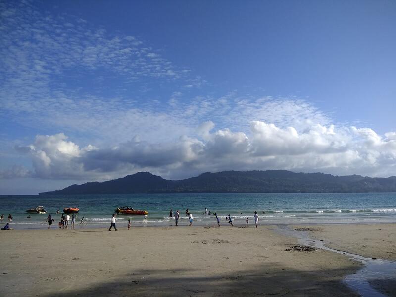pasir pantai yang luas
