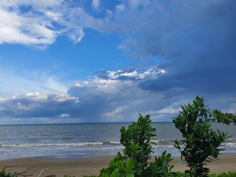 alam di pantai pagatan