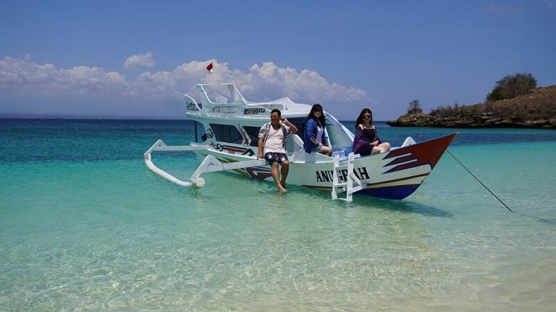 jelajahi dengan perahu