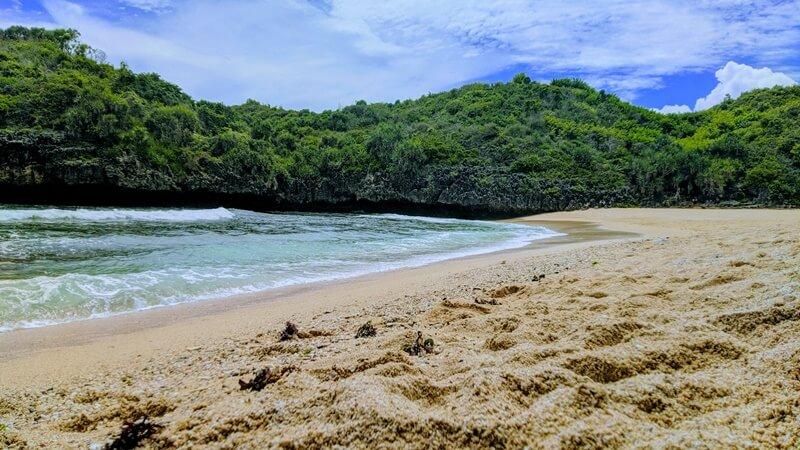 pasir pantai sedahan