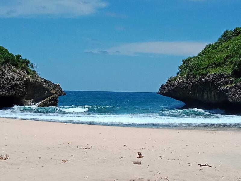 view lokasi utama pantai sedahan