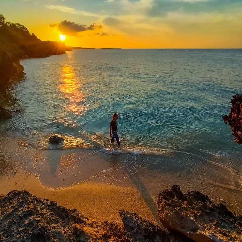 sunset di pantai tiang bendera