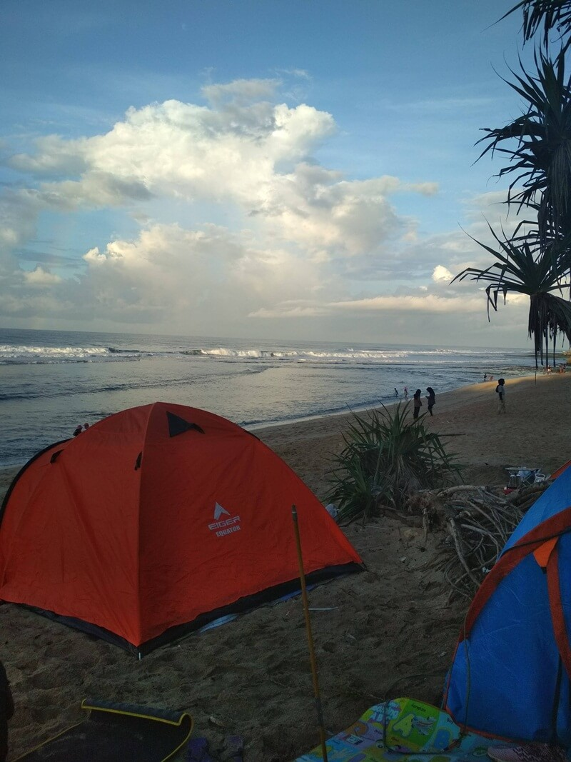 camping di pantai watu kodok