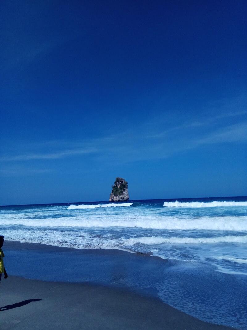 view elok pantai watu malandong