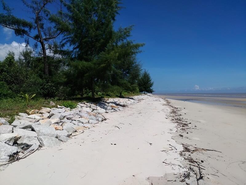 cantiknya pantai lapin