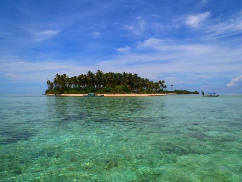 surganya melihat keindahan bawah laut