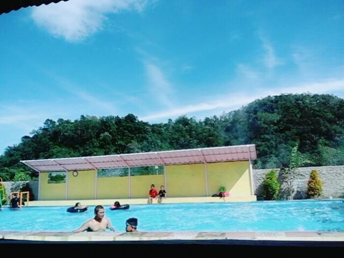 kolam berenang
