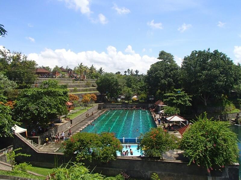 area kolam berenang