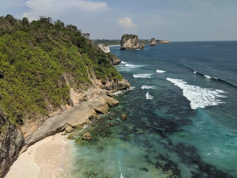 pantai maladong