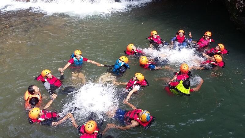 kegiatan body rafting di ranto canyon