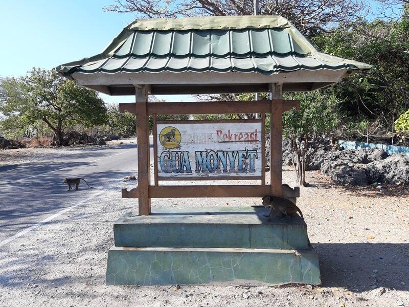 landmark taman rekreasi gua monyet