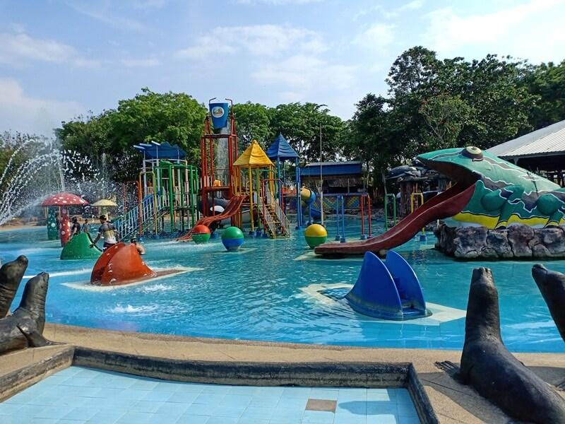 kolam anak di jwf pati