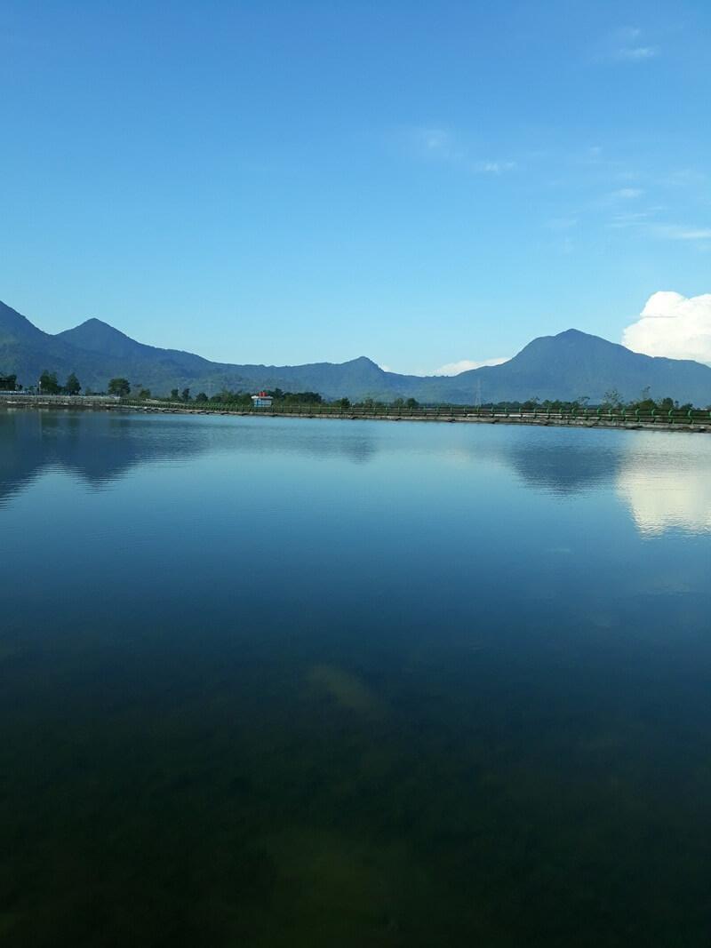 danau biru singkawang