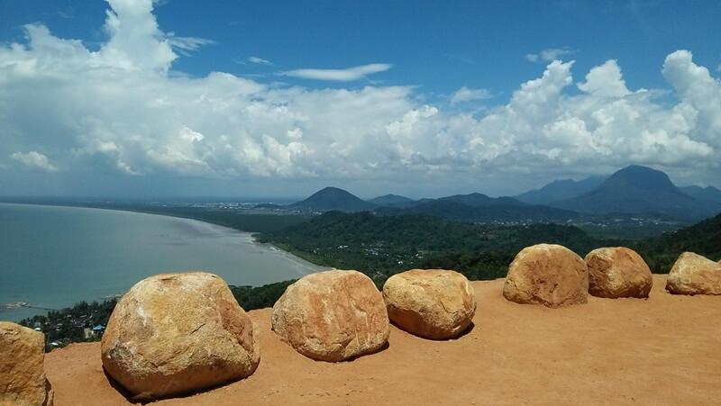 panorama bukit rindu alam